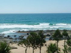 5 Chakas Place - ** MINIMUM 3 NIGHTS BOOKING AND 7 IN PEAK SEASON *** 5 Chakas Place is a contemporary self-catering apartment with stunning sea views, situated in Shaka's Rock. It is only a stone's throw from the ... #weekendgetaways #ballito #southafrica