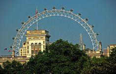 Bei dem Wetter ... önnte ich den ganzen Tag Riesenrad fahren. Geht aber leider nicht. In London bin ich nicht mehr und im Saarland gibt`s keins. :-( http://de.wikipedia.org/wiki/London_Eye