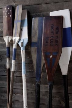 We love these awesome Oars by Artwood! Now available at Lighthouse… Wicker Chairs, Wicker Furniture, Home Decor Furniture, Les Hamptons, Hamptons House, Nantucket, Nautical Office, Painted Oars, East Coast Style