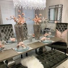 I hope everyone is having an amazing and productive week. Of course I was going to makeover my formal dining room 😍 Dinning Room Table Decor, Elegant Dining Room, Luxury Dining Room, Dining Room Design, Dining Table, Dining Room Table Centerpieces, Dining Room Sets, Fine Dining, Console Table