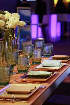 Renaissance auf dem Tisch mit den passenden Gläsern