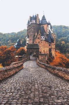 Eltz Castle, Weirschem Germany - Adventure is Out There - Camping Nature Beautiful Castles, Beautiful Places, Romantic Places, Places To Travel, Places To See, Places Around The World, Around The Worlds, Magic Places, Dream Vacations