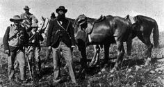 a photograph of De la Rey in the field during the Second Anglo—Boer War.