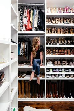 Collection of closet designs to organize your master bedroom, bring comfort and luxury into your home organization. Walk in closet design ideas Modern bedroom design with walk-in closet and sliding doors Custom-built walk-in closets are luxurious Walk In Wardrobe, Walk In Closet, Shoe Rack Closet, Bag Closet, Closet Bedroom, Closet Space, Master Bedroom, Ikea Closet, Modern Bedroom