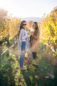 Gal Meets Glam Weekend Trip to Napa Sauvignon Blanc, Cabernet Sauvignon, Chenin Blanc, Pinot Noir, Weekender, Wine Tasting Outfit, October Outfits, Fall Outfits, Wine Photography