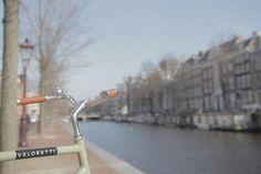 #amsterdam #bicycles #veloretti #velorettiamsterdam #design #bike #netherlands #dutch #designbike #wall #spotted #color #desertmoss #desert #moss