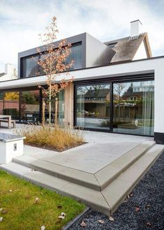 House Modern Architecture House, Modern House Design, Architecture Design, Deck Design, Landscape Architecture, Garden Design, Bungalow Extensions, House Extensions, Kitchen Extensions