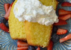 Luci's Morsels: Homemade Whipped Cream - great for topping a cake mix dessert. Easy for #Entertaining.