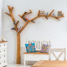 Imposanter Baum als außergewöhnliches Design-Regal - New Ideas
