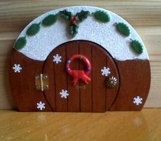 Elf Door Christmas Clay, Christmas Fairy, Christmas Door, Christmas Crafts, Christmas Ornaments, Christmas Houses, Christmas 2019, Christmas Ideas, Opening Fairy Doors