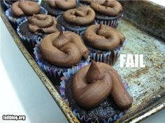 It's either a cupcake frosting fail or a great diet motivator. by aisha Freaking Hilarious, Haha Funny, Epic Fail Photos, Youre Doing It Wrong, Design Fails, You Had One Job, Pinterest Fails, Just For Laughs, Funny Fails
