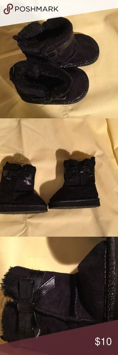 Black faux suede boots with bow details worn once Black faux suede boots with side bow detail in size 4 worn once. Super cute and cozy . Has side Velcro opening to get baby girls adorable feet in and out without any hassle. Shoes Boots