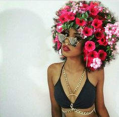 YASS!!!! and more YASS!!!!! Afro with flowers! Nothing more beautiful.