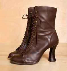 i NEED these. vintage boots come around in my size about as often as oh, never.