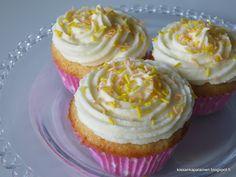 Kissankäpälä: Lemon curd muffinssit, lemon curd muffins Lemon Curd, Desserts, Food, Tailgate Desserts, Deserts, Essen, Postres, Meals, Dessert