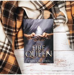Have you entered the international giveaway for a copy of The Fire Queen yet??? Head over to @pagewithaview account to enter!!!