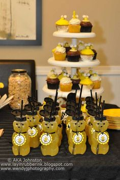 Bee Theme Baby Shower Ideas U2013 Mama Bees Freebies | DIY Baby Shower |  Pinterest | Ideas, Shower Ideas And Babies