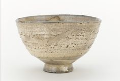 Tea bowl, possibly Hagi ware century Edo period Clay H: W: cm Matsumoto, Japan Japanese Bowls, Japanese Ceramics, Japanese Pottery, Pottery Pots, Ceramic Pottery, Ceramic Clay, Ceramic Bowls, Matcha, Clay Bowl
