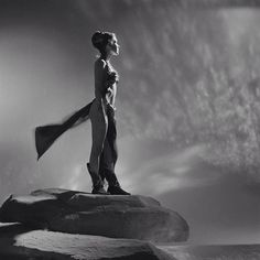 Beautiful black & white Leia still