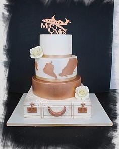 Wedding cake travel - cake by Cindy Sauvage - CakesDecor Purple Wedding Cakes, Themed Wedding Cakes, Fall Wedding Cakes, Wedding Cakes With Cupcakes, Wedding Cake Designs, Wedding Cake Toppers, Wedding Themes, Travel Cake, Cake Decorating