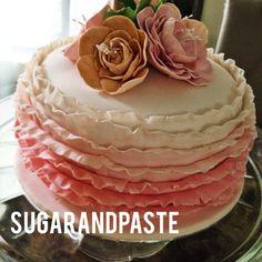 Ombre cake by Sugarandpaste (facebook:sugarandpaste)