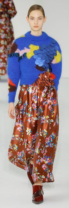 Delpozo - Fall 2017 - Fashion Week // New York - Sweaters Knitwear Fashion, Knit Fashion, Fashion Week, Fashion 2017, Winter Fashion, Fashion Show, Womens Fashion, Fashion Design, Fashion Trends