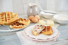 Ich verrate euch das Geheimnis für leckere Buttermilchwaffeln, die außen knusprig und innen saftig sind. Cupcakes, Waffles, Blog, Breakfast, Desserts, Kitchenaid, Muffins, Pasta, Biscuits