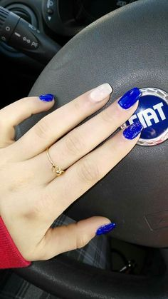 #bluenails #hand ...in love with this art!!!!!! Art on my hand