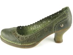 Neosens: Rococo - gorgeous, and i love the different colour. very cool. very Elphaba