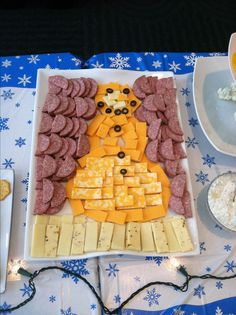 Winter onederland. Snowman cheese platter