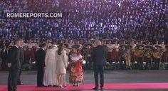 ¡Espectacular bienvenida al Papa en México!