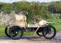 Vauxhall 5 HP 2-seater Light Car 1903 Antique Trucks, Antique Cars, Vintage Cars, Vintage Items, Classic Mercedes, Batmobile, Car Brands, Old Cars, Cars Motorcycles