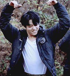 """ in which taehyung and jimin bet on jungkook 's love. Bts Jungkook, Jungkook Dance, Jungkook Mignon, Namjoon, Jungkook Lindo, Seokjin, Jung Kook, Yoonmin, Daddy"