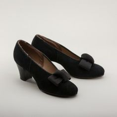 NOS 1930s Suede Pumps with Bow by Townmode (Black)