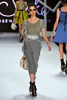 ZAC Zac Posen Spring 2011 Ready-to-Wear Fashion Show - Tao Okamoto