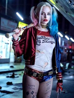 Margot Robbie Harley Quinn Suicide Squad costume Suicide Squad: New Images Of Harley & The Gang Harley Quinn Et Le Joker, Harley Quinn Halloween, Margot Robbie Harley Quinn, Harley Quinn Cosplay, Harley Quinn Tattoo, Maquillage Harley Quinn, Wonder Woman Comics, Marvel Dc, Harey Quinn
