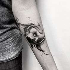 #samsaratattoo #blacktattoomag #ttblackink #taot #inkstinctsubmission #blackworkerssubmission #iblackwork #theblackmasters #tattoo #tattooart #tattooartist #tattooed #tattedup #tatted #tattrx #tattoos #equilattera #tttpublishing #tttism #inkapture #btattooing #inkstylemag #world_tattoo_gallery #thinkbeforeuink #inspirationsoftattoo #tattoo2me #yinyang #fish #goldfish