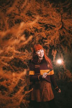 Lumos Autumnos (A Clothes Horse) Lily Potter, Harry Potter Cosplay, Harry Potter Style, Harry Potter Film, Harry Potter Experience, Lily Evans, Photography Pics, Autumn Cozy, Clothes Horse
