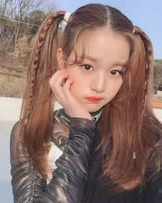 Imagem de izone, wonyoung, and kpop Kpop Girl Groups, Kpop Girls, Hair Inspo, Hair Inspiration, Korean Girl, Asian Girl, Japanese Girl Group, Ulzzang Girl, Cute Hairstyles