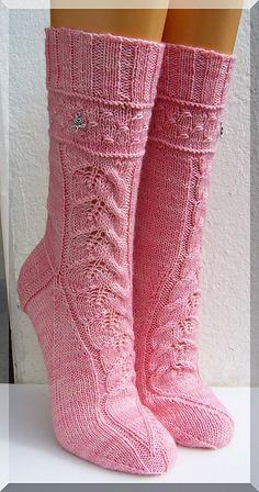 Ravelry: Designs by Micha Klein Knitting Socks, Hand Knitting, Knitted Hats, Knit Socks, Ravelry, Cool Socks, Awesome Socks, Happy Socks, Boot Cuffs