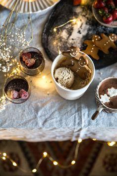 Gingerbread Tiramisu Ice Cream, Amaretti Mocha Mousse, Hot Cardamom Cacao – 20 Minute Christmas Desserts With Nespresso – Cook Republic Nespresso Recipes, Ice Cream Mix, Biscuit Mix, Pudding, Holiday Recipes, Christmas Recipes, Ice Cream Recipes, Christmas Desserts, Melting Chocolate