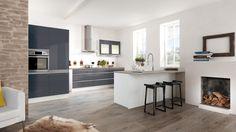 Modern grey kitchen Perfect kitchen for your modern house, loft or apartment! Modern Grey Kitchen, Simple Kitchen Design, Modern Kitchen Cabinets, Open Kitchen, Kitchen Flooring, Kitchen Interior, Kitchen Dining, Luxury Interior, Home Interior Design