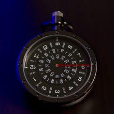 Eine #Taschenuhr wird heutzutage nicht mehr nur für die Anzeige der #Zeit getragen. Vielmehr ist sie ein tolles #Accessoire für #Männer zu vielen #Styles . Diese moderne #Taschenuhr verzichtet dabei auf die klassischen Uhrzeiger und geht neue Wege Pocket Watch, Accessories, Modern Pocket Watch, Men With Style, Classic, Pocket Watches