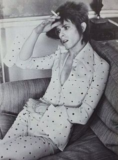 """jaylan-of-the-shadows: """" It's difficult to look good in a spotty jumpsuit. Unless you're David Bowie coz then it's easy ♥ """" Angela Bowie, Duncan Jones, Ziggy Played Guitar, David Bowie Ziggy, The Thin White Duke, Pretty Star, Major Tom, We Will Rock You, Ziggy Stardust"""