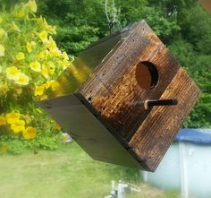 Great gift $25.00 Stylish birdhouse created from reclaimed by DiggettDenDesigns, $25.00