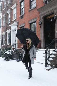 af4d4a7b5aa1 Winter outfit inspiration // How to wear snow boots on Atlantic-Pacific  Rainy Day