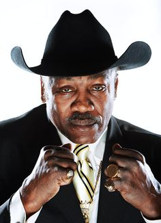 JOE FRAZIER BOXING LEGEND DIED NOV 7  AGE 67  LIVER CANCER  FOUGHT MUHAMMAD ALI IN 3 HISTORIC BOUTS IN 1971 THE FIRST FIGHTER TO DEFEAT  ALI
