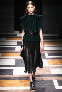 Salvatore Ferragamo - Fall 2015 Ready-to-Wear - Look 17 of 41 Almost bare, two tone of green and black, is a perfect match