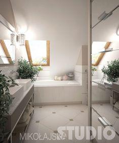 biało-szara łazienka ze skośną ścianą z oknem i lustrzaną szafą - Lovingit.pl
