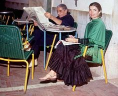Canfora Capri Sandals Relaunches Archival Styles Worn By Jackie Kennedy Onassis Jackie O's, Jacqueline Kennedy Onassis, Preppy Style, My Style, Aristotle Onassis, Vogue India, Elizabeth And James, Chicano, Style Inspiration